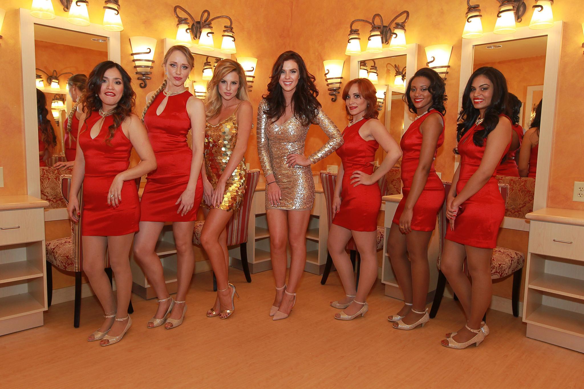 Girls Show 28254